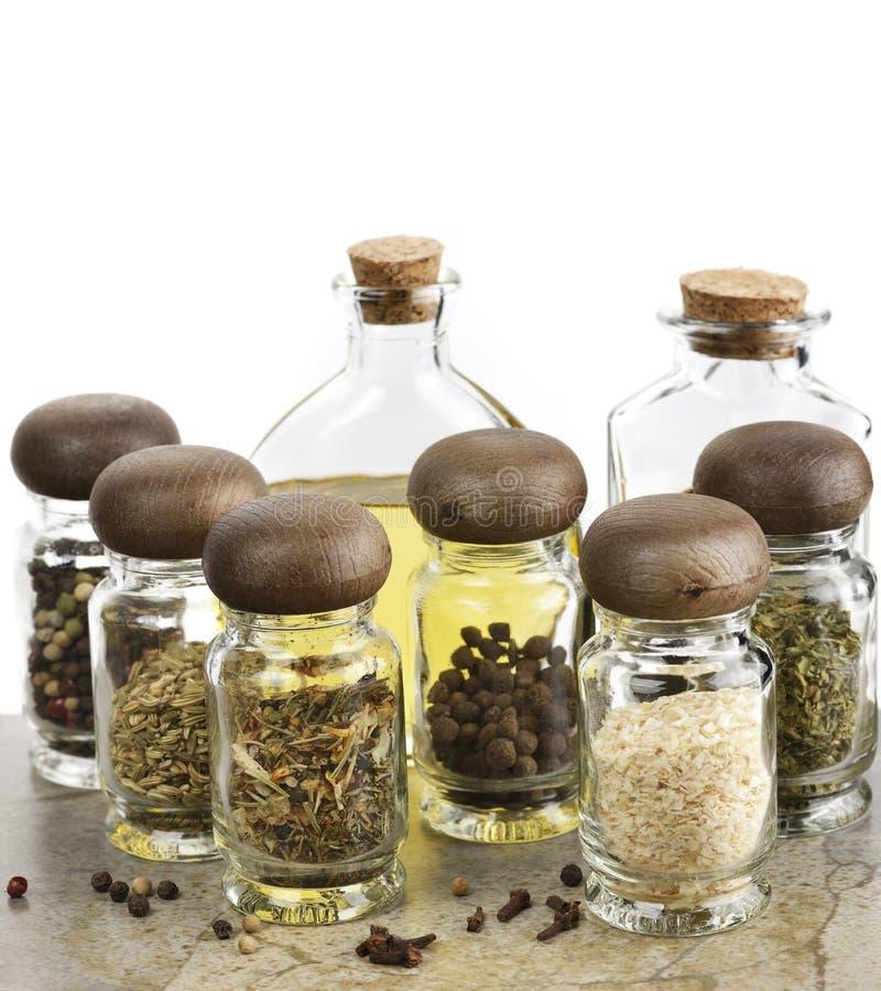 Aceite y vinagre de cocina de las especias fotografía de archivo libre de regalías