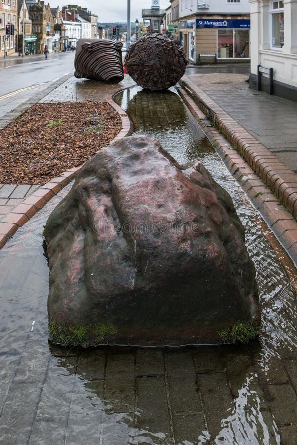 ACELGA, SOMERSET/UK - 22 DE MARÇO: Escultura por Neville Gabie no Ch imagens de stock