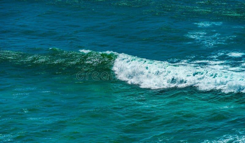 Acene na opinião aérea do oceano, cor de água bonita fotos de stock
