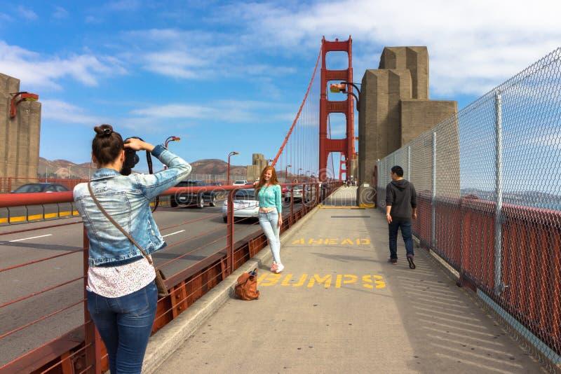 Acera en puente Golden Gate fotos de archivo libres de regalías