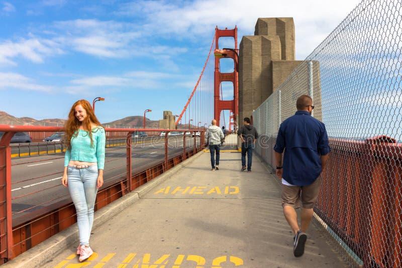 Acera en puente Golden Gate imagen de archivo libre de regalías