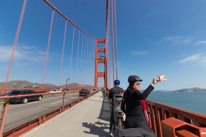 Acera en puente Golden Gate fotografía de archivo libre de regalías