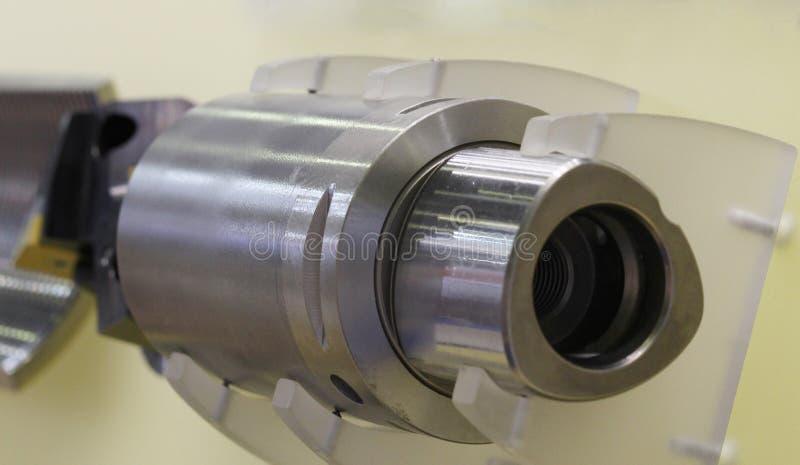 Acero de torneado Cortador para el proceso de acero Molino cil?ndrico fotos de archivo libres de regalías
