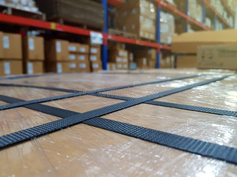 Acessórios da embalagem no local de trabalho da indústria, correia do polipropileno foto de stock