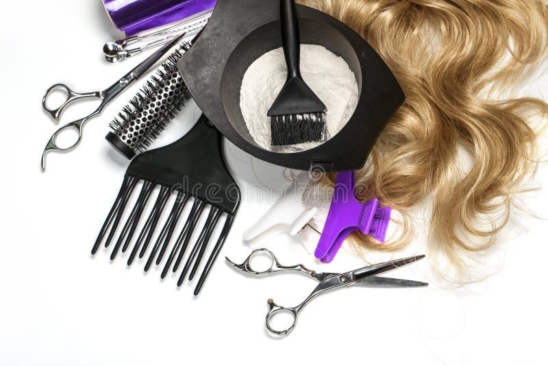 Acessórios do cabeleireiro para o cabelo colorindo fotografia de stock royalty free
