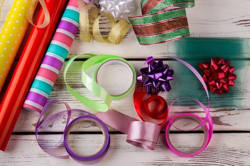 Acessórios do Natal para presentes de embalagem imagem de stock royalty free