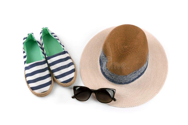 Acessórios do verão do estilo do marinheiro isolados no branco imagem de stock royalty free