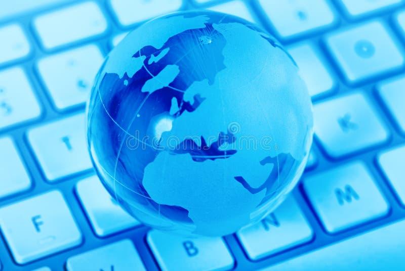 Acesso global através do Internet foto de stock