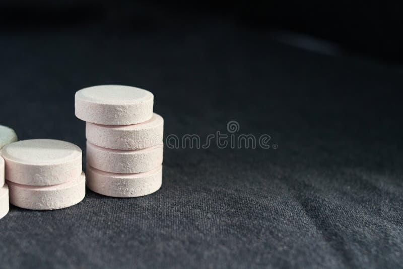 Acetaminophen ou paracetamol, medicina para a dor do relevo imagens de stock