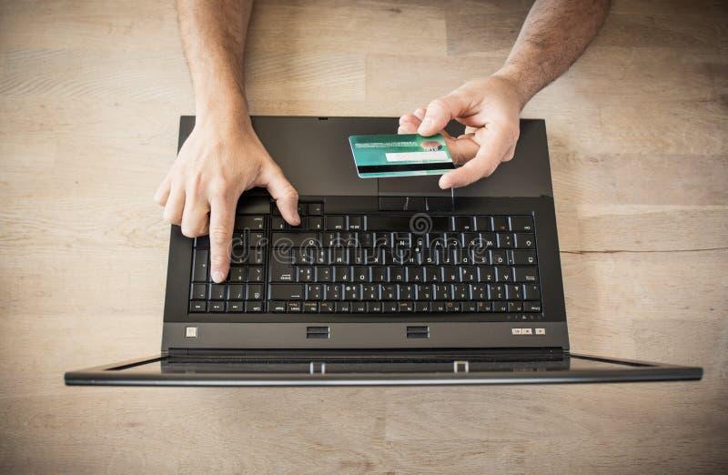 Achat avec la carte de crédit image libre de droits