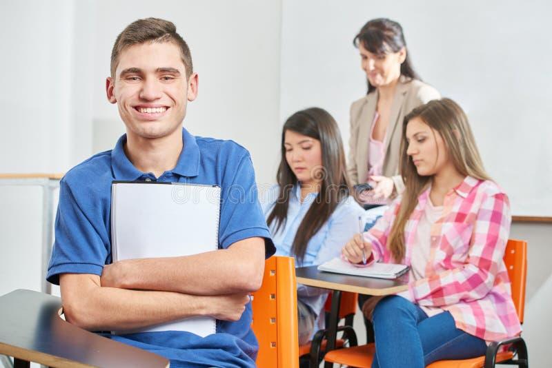 Achat heureux après présentation d'un examen images libres de droits