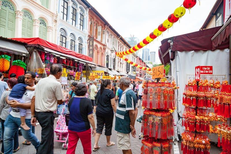 Achats chinois de nouvelle année à Singapour Chinatown photo libre de droits