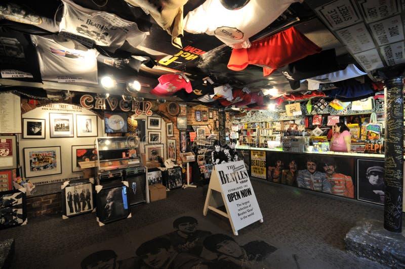 Achats de Beatles à Liverpool image stock