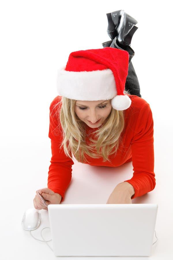Achats de Noël en ligne images stock