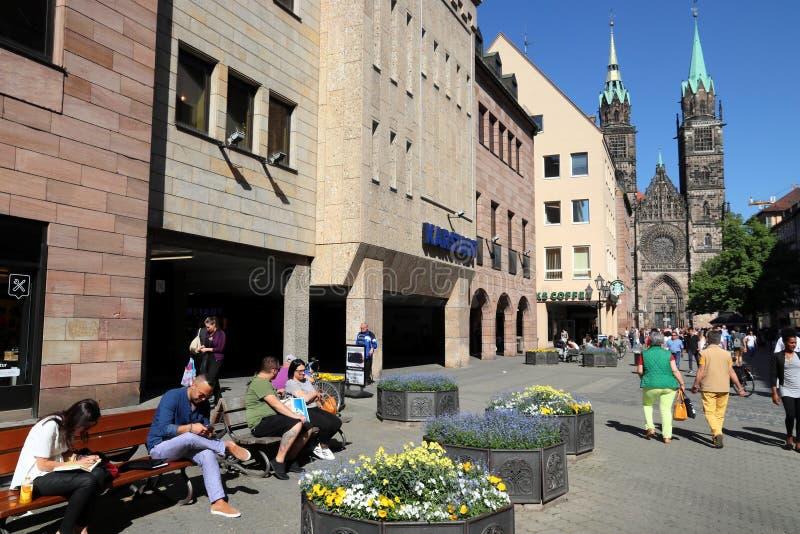 Achats de Nuremberg en Allemagne photo stock