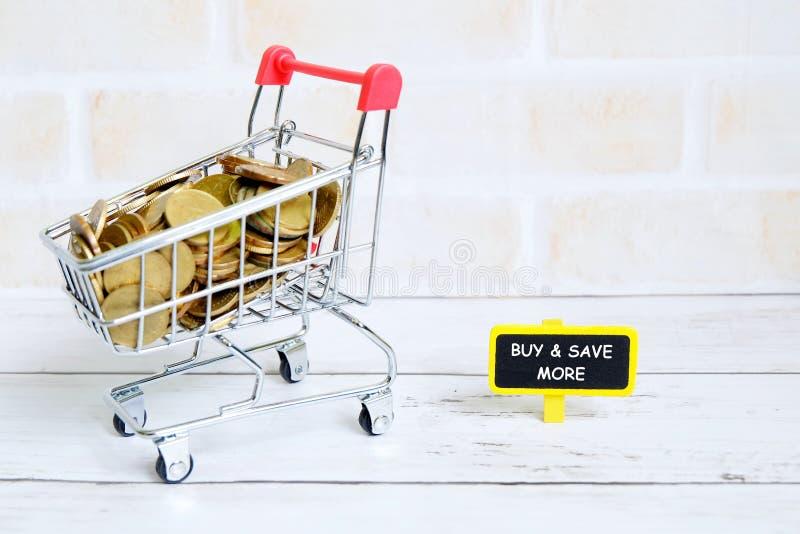Achetez et épargnez plus photo libre de droits