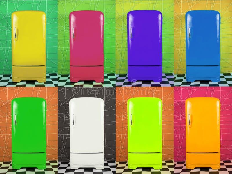 Acht oude multi-colored koelkasten op verschillende achtergronden stock afbeeldingen