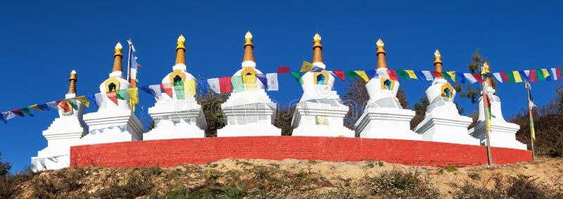 Acht stupas in Za-Sa oder in Zasa-Kloster stockfotos