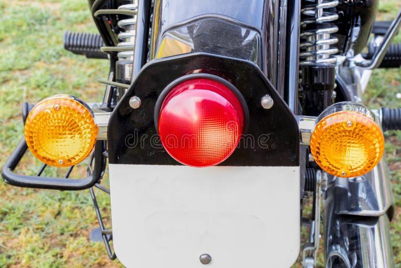 Achterachterlicht en de indicatoren van de Mordern het zwarte fiets stock foto's