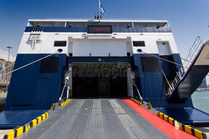 Achterdeurveerboot stock foto