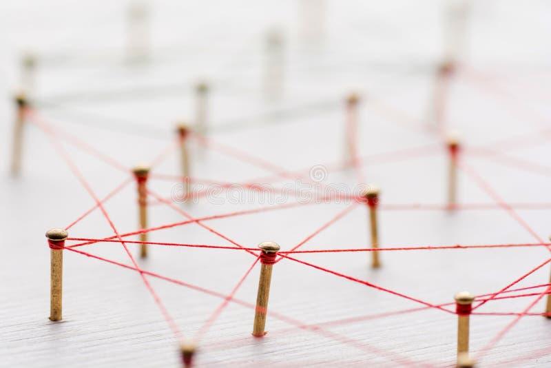 Achtergrond Abstract concept netwerk, sociale media, Internet, groepswerk, mededeling Langs verbonden spijkers stock afbeeldingen