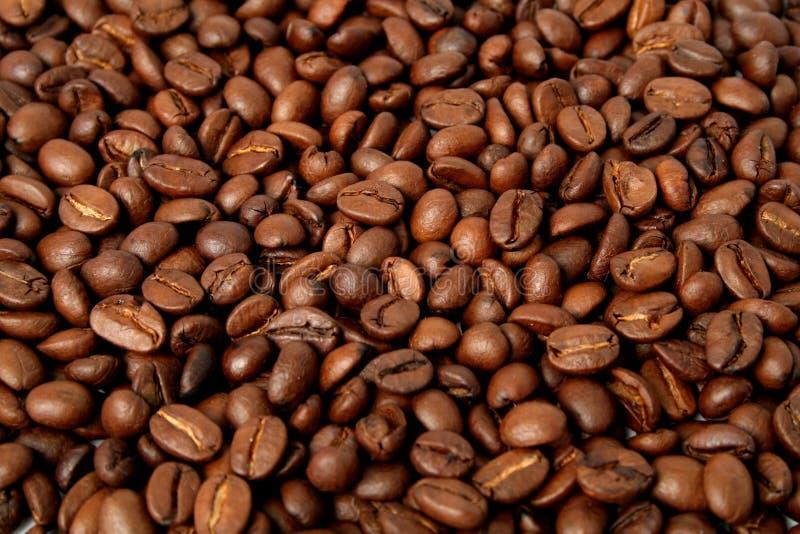 Achtergrond die van de gebraden korrels van koffie wordt gemaakt stock fotografie