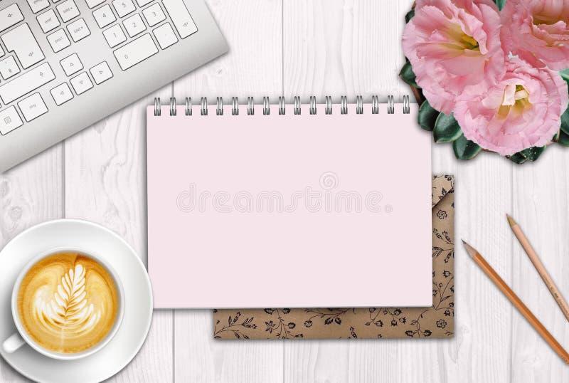 Achtergrond met een notitieboekje voor het schrijven, roze schaduwen, mooi lijstbinnenland met een bloem royalty-vrije stock foto