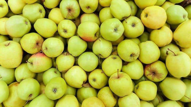 Achtergrond van groene appelen stock afbeeldingen