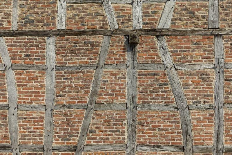 Achtergrond van helft-betimmerd huis in Neu Anspach, Duitsland royalty-vrije stock foto's