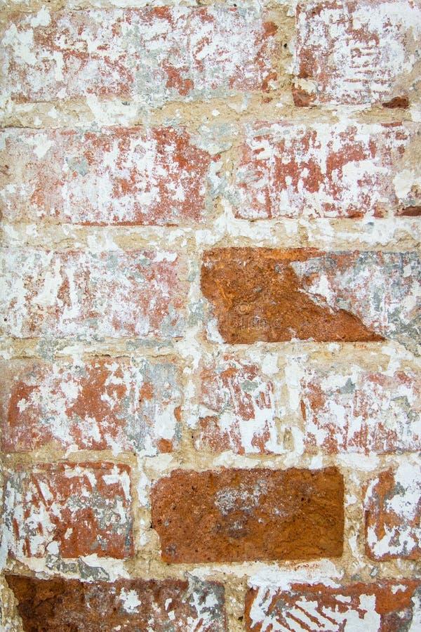 Achtergrond van oude muur van rode baksteen met kleimetselwerk royalty-vrije stock foto's