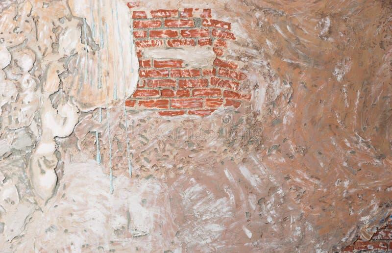 Achtergrond van oude uitstekende bakstenen muur stock afbeelding