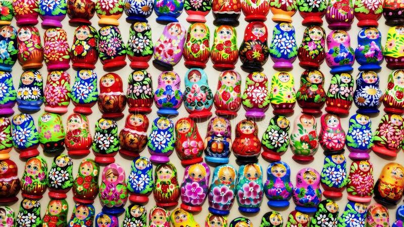 Achtergrond van Russische het nestelen poppen royalty-vrije stock foto