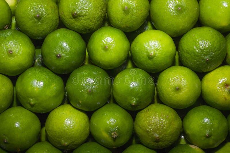 Achtergrond van sappige citroenen royalty-vrije stock afbeelding