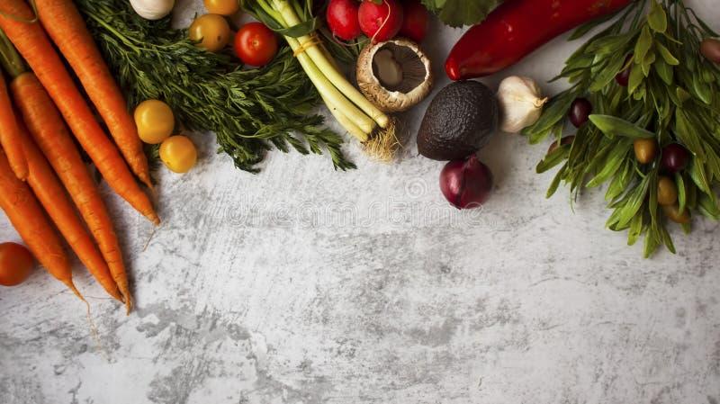 Achtergrond van tuin-verse gezonde groenten stock foto