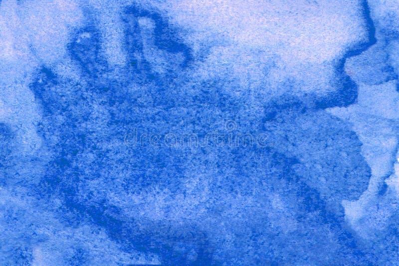 Achtergrond waterkleurblauw op papier Kunstmatige abstracte blauwe illustratie Voor web, ontwerp, decoratie, oppervlakken stock afbeeldingen