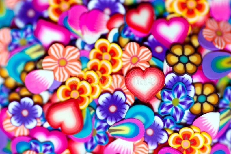 Achtergrond zachte bloemen, bloemblaadjes en harten stock fotografie