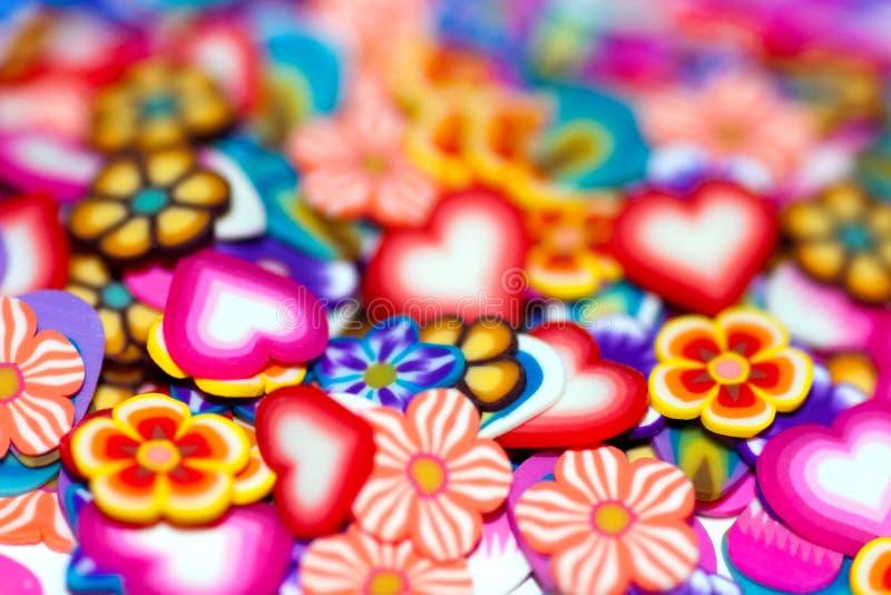 Achtergrond zachte bloemen, bloemblaadjes en harten stock afbeelding