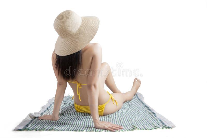 Achtermeningsmodel met bikini in studio royalty-vrije stock foto
