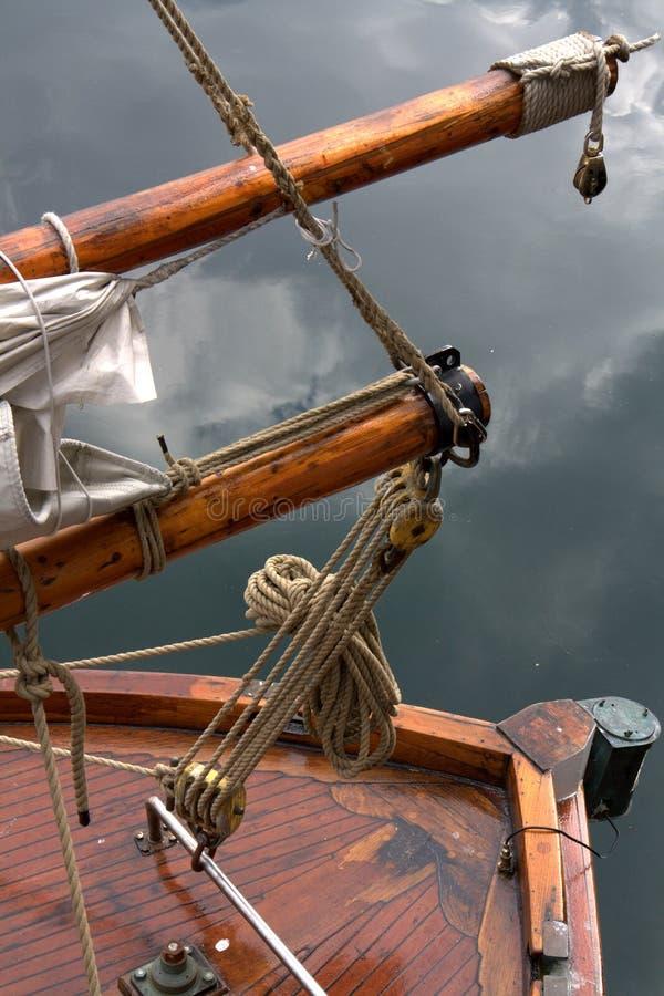 Achtersteven van houten jacht stock afbeelding