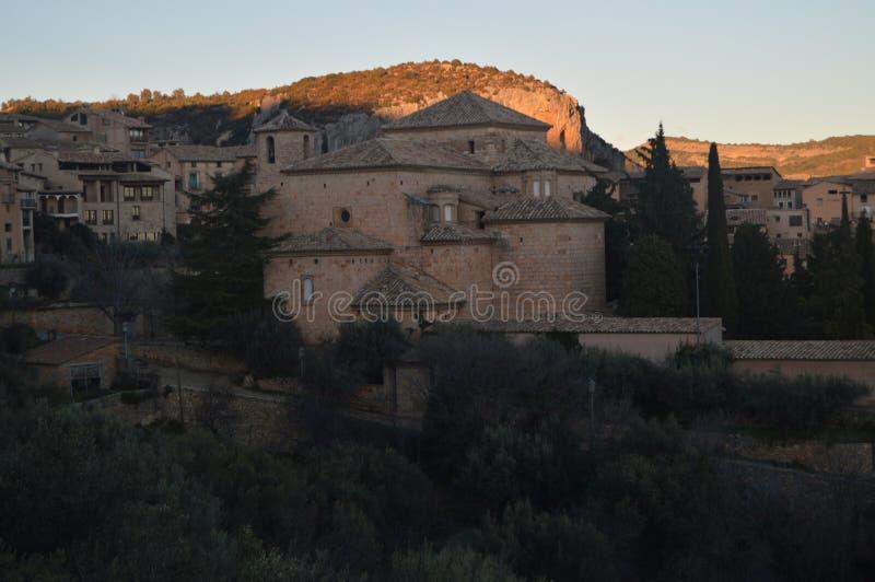 Achtervoorgevel van de Parochiekerk van San Miguel Arcangel In Alquezar Landschappen, Aard, Geschiedenis, Architectuur 28 decembe royalty-vrije stock afbeelding