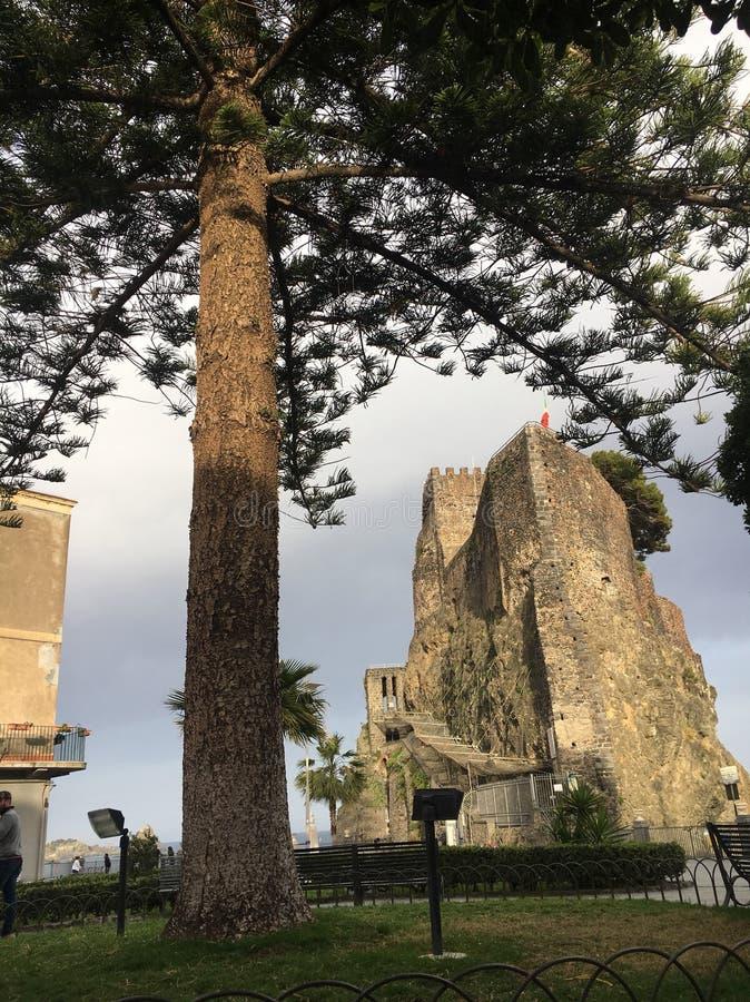 Aci Castello lizenzfreies stockfoto