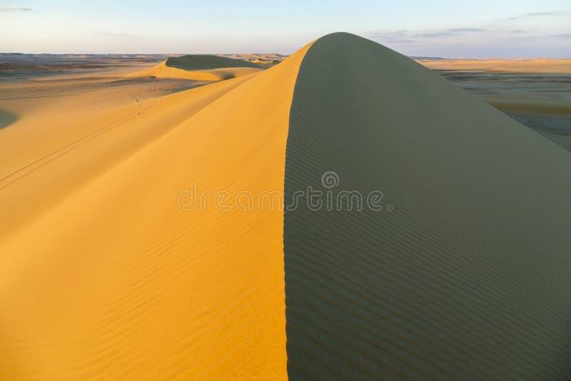 Acima da duna de areia fotos de stock