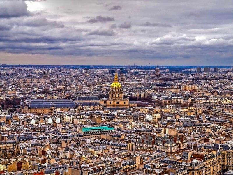 Acima de Paris imagem de stock