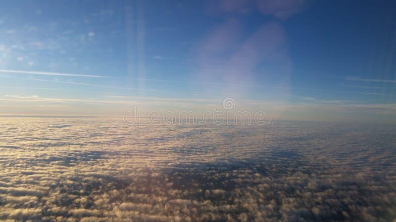 Acima dos céus fotografia de stock