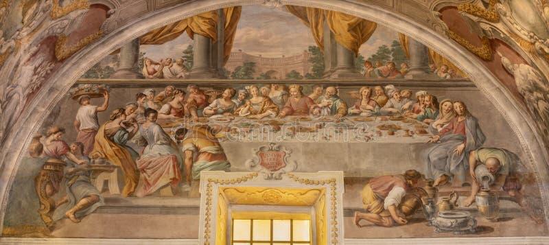 ACIREALE, ITALIEN - APRIL 11, 2018: Fresco of The mirale at bröllopet på Cana i Duomo av Pietro Paolo Vasta 1735-1739 arkivbild