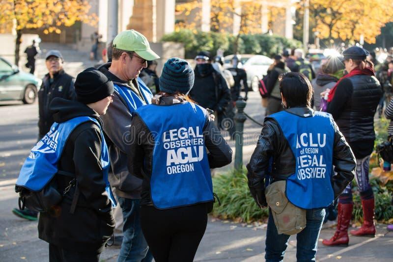 ACLU del observador legal de Oregon en la reunión política imagen de archivo