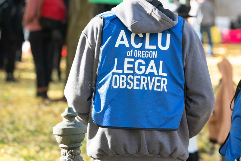 ACLU van de wettelijke waarnemer van Oregon bij de demonstratie stock afbeelding