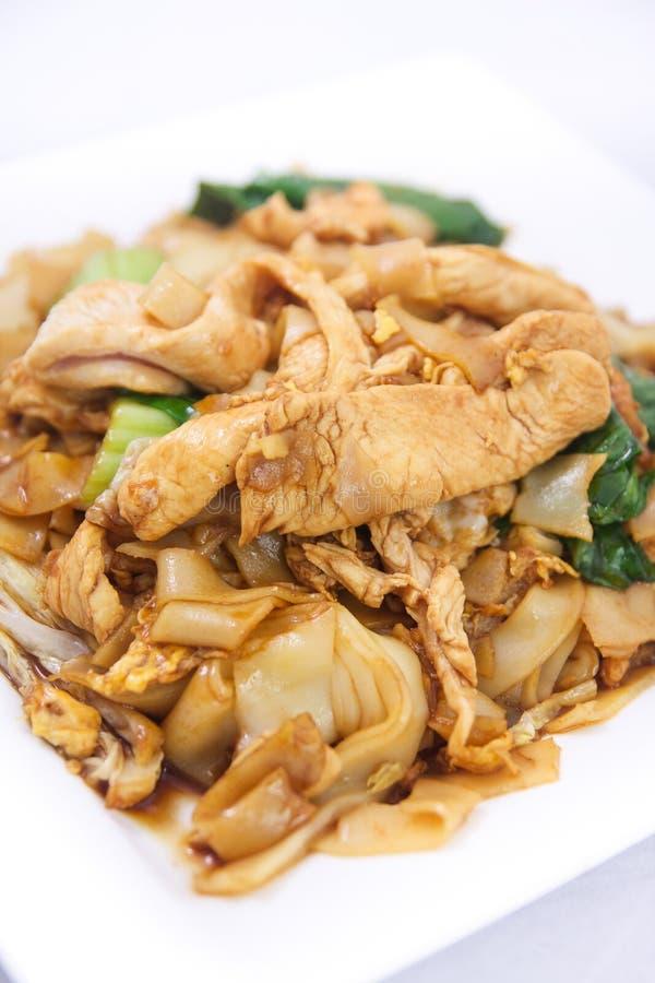 Acolchoe SE ew, macarronetes de arroz lisos fritados agitação com molho da ostra. fotografia de stock royalty free