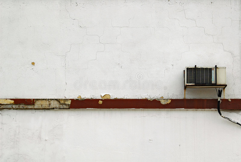 Acondicionador de aire en la pared blanca foto de archivo libre de regalías