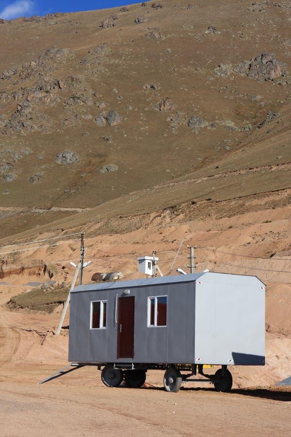 Acoplado en montañas foto de archivo libre de regalías